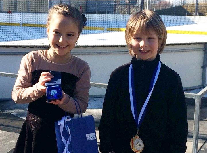 Zwei Podestplätze für Herisauer Eiskunstläufer